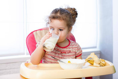 Cách chăm sóc trẻ mắc bệnh tay chân miệng