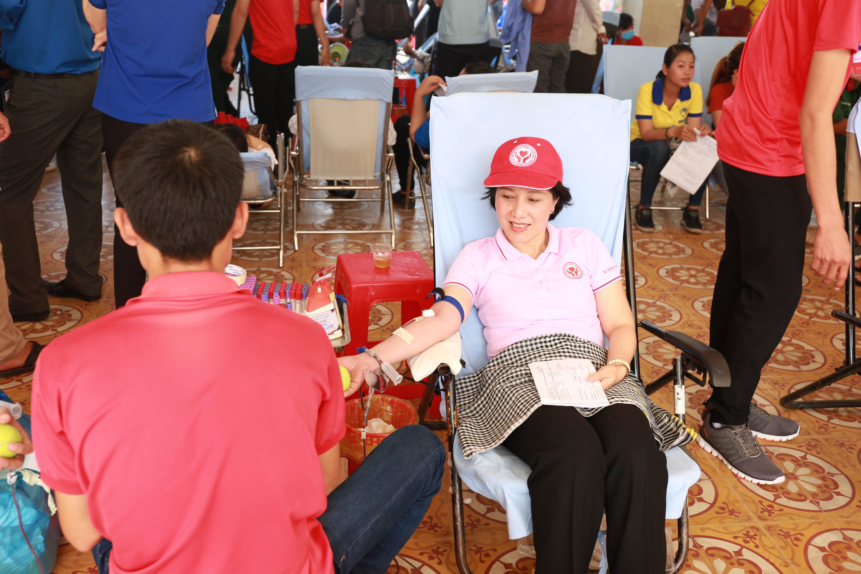 Tặng thêm gói xét nghiệm cho người hiến máu nhân đạo