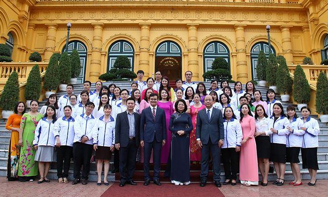 Phó Chủ tịch nước gặp gỡ giáo viên dạy trẻ khuyết tật