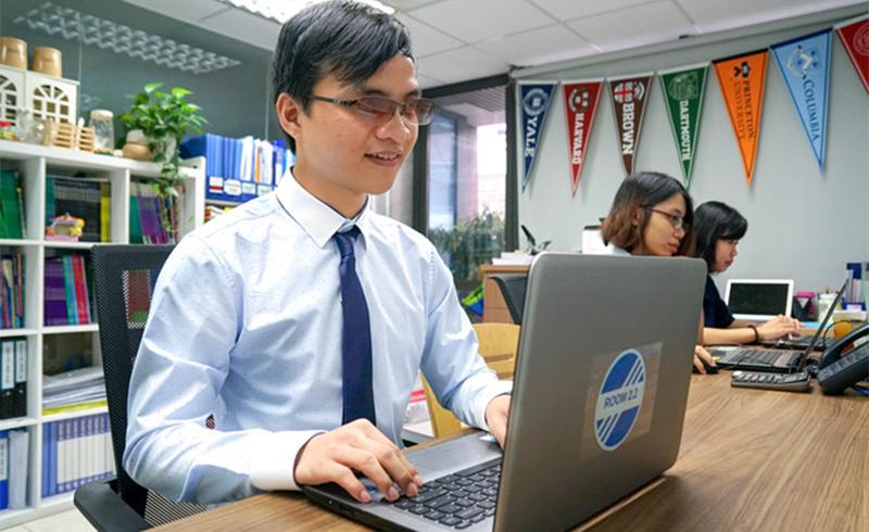 Chàng cử nhân khiếm thị khát khao mở trường cho sinh viên khuyết tật