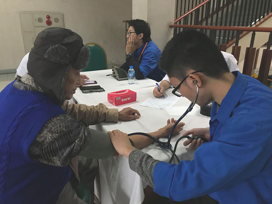 Hơn 600 người được khám và tư vấn miễn phí bệnh hen tại Bệnh viện Bạch Mai