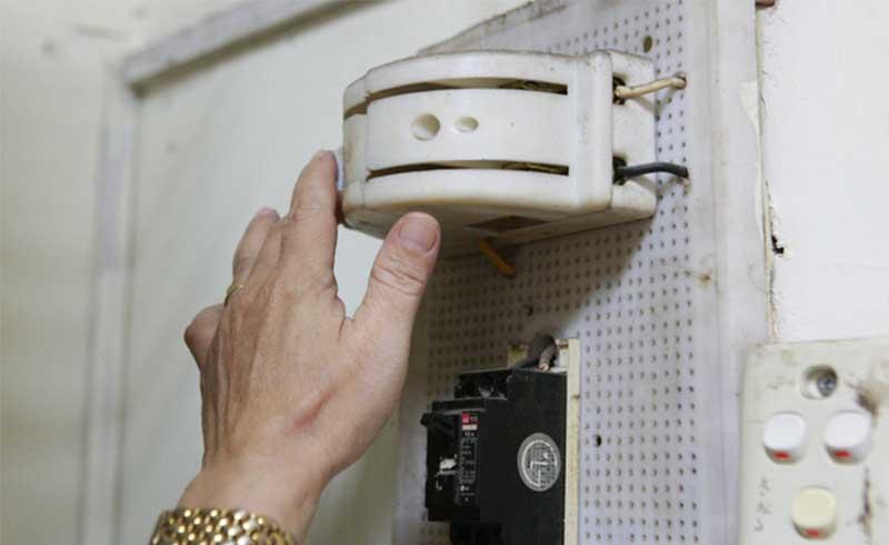 Những sai lầm khi sơ cấp cứu người bị điện giật