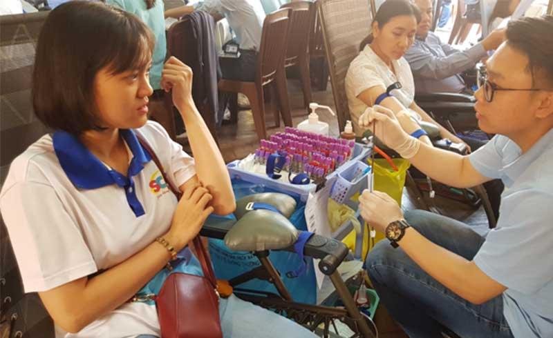 Hơn 1.000 người Sài Gòn hiến máu dịp giáp Tết