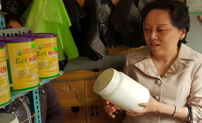 Phụ gia thực phẩm ở chợ Kim Biên không được sang chiết lẻ