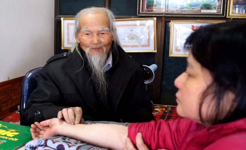 Lương y Phạm Thọ Tầng: 'Tiên ông' giữa đời thường của bệnh nhân nghèo