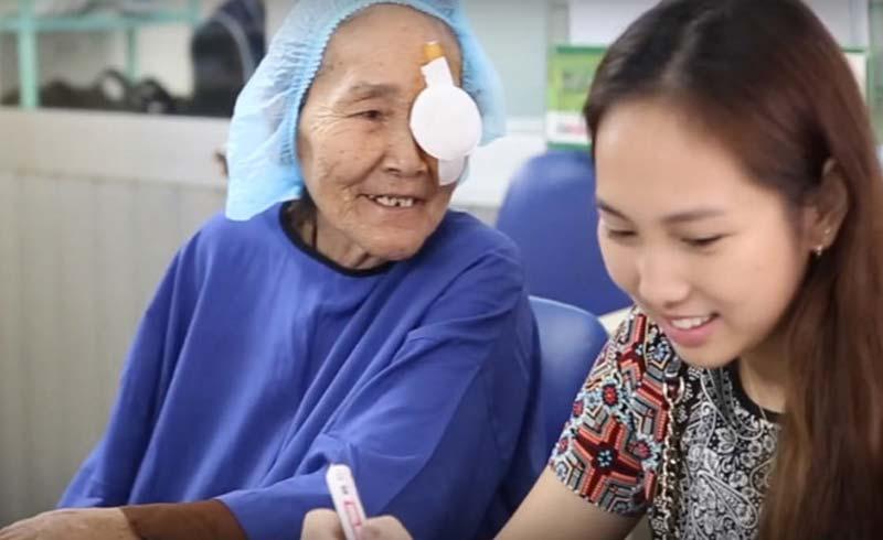 Dự án 'See again' đem lại ánh sáng cho bệnh nhân đục thủy tinh thể