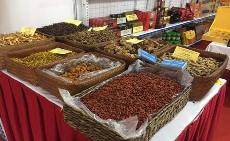 """'Sala Family Vip"""" gây ấn tượng mạnh tại hội chợ đầu tiên về dược liệu Việt Nam"""