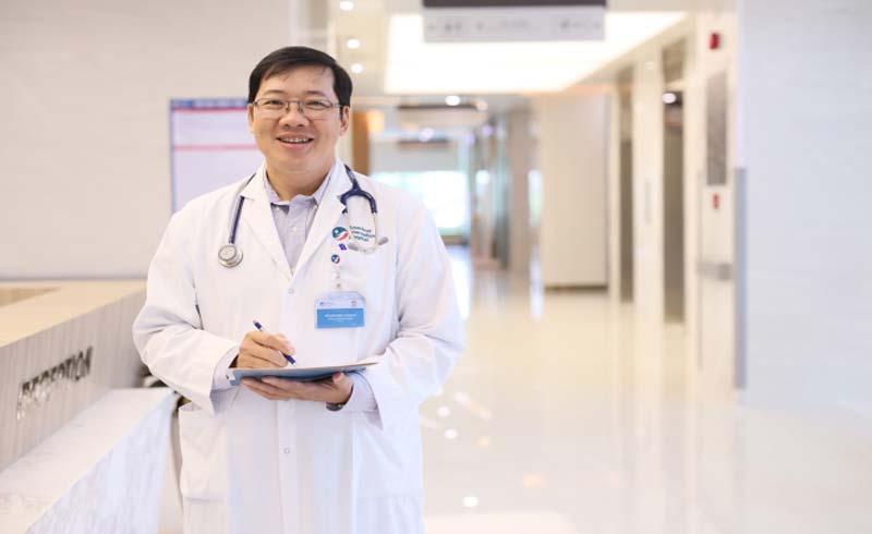 Bác sĩ phẫu thuật: 'Mỗi ca mổ là một trận chiến sinh tử'