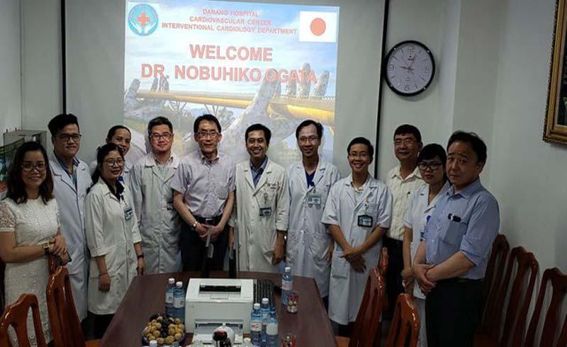 Chuyên gia Nhật truyền kinh nghiệm xử lý tổn thương mạch vành phức tạp cho bác sĩ Việt