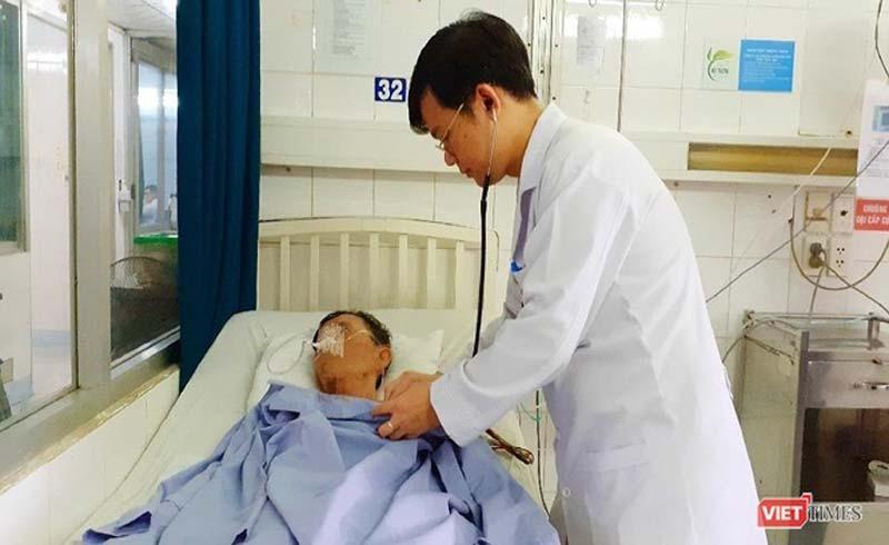 Cứu bệnh nhân vừa nhồi máu cơ tim vừa đột quỵ não