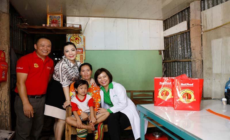 NutiFood tặng nhà cho cô bé nghèo bị suy dinh dưỡng ở Cà Mau