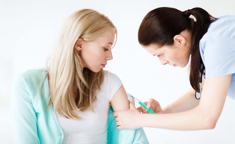 Những vắc xin phụ nữ cần tiêm trước khi mang thai