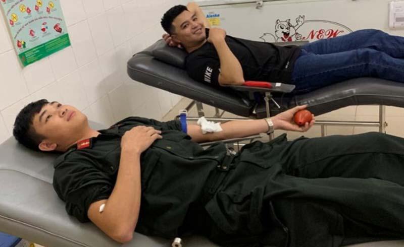 3 chiến sĩ công an kịp hiến máu cực hiếm cứu người