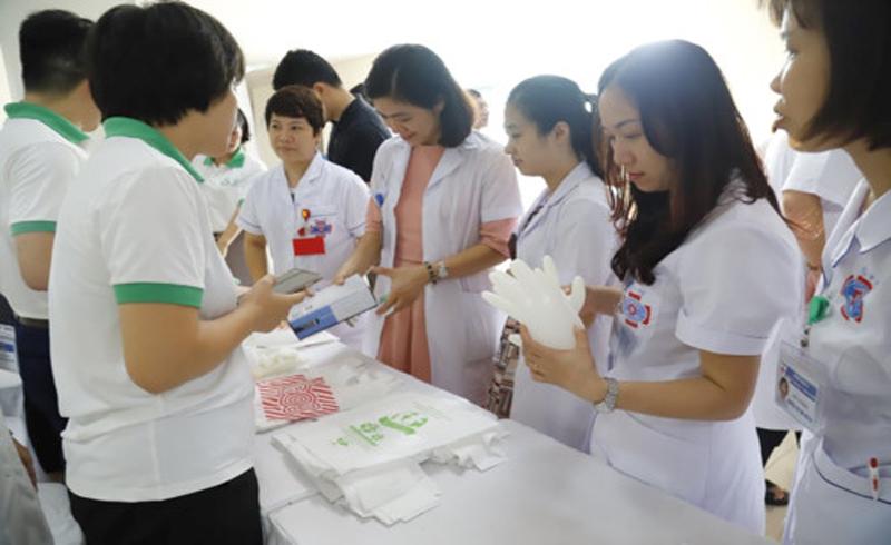 Bệnh viện K giảm thiểu chất thải nhựa trong y tế