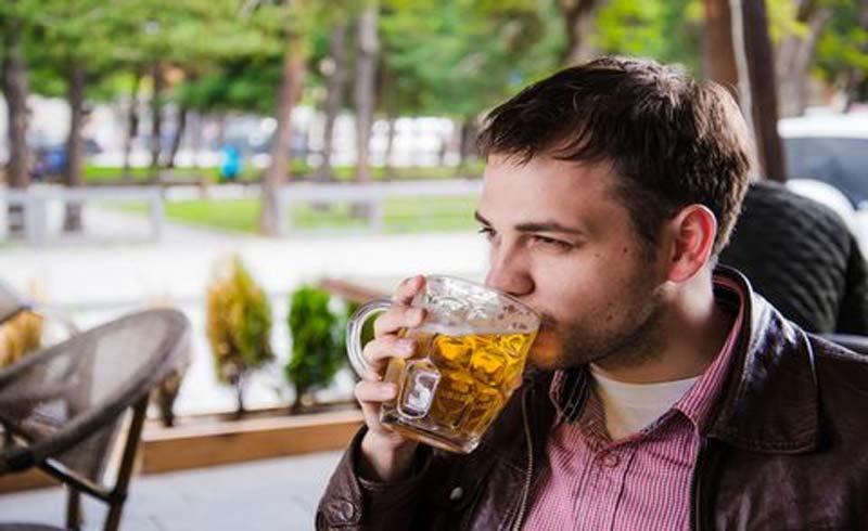 Tại sao không nên tập thể dục sau khi uống rượu bia?