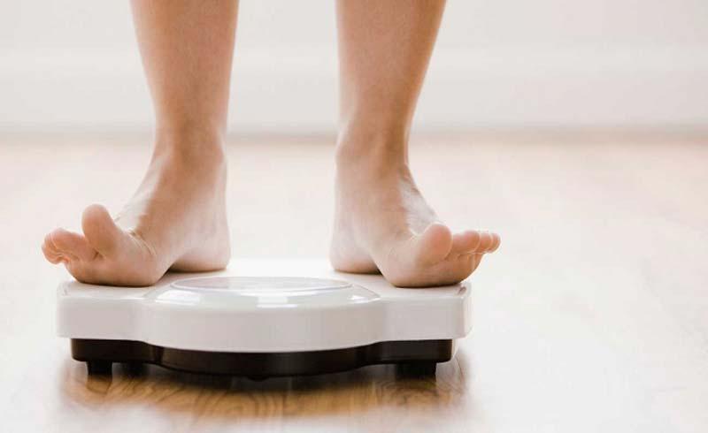 Vì sao càng lớn tuổi càng dễ tăng cân?