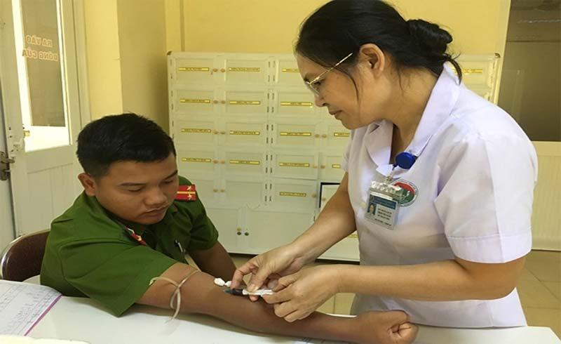 Vượt 60 km hiến máu cứu người
