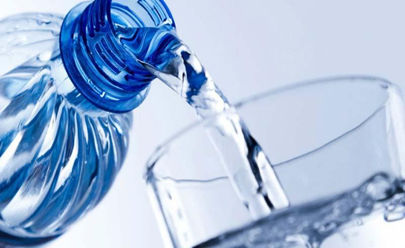 Cách chọn chai đựng nước an toàn sức khỏe