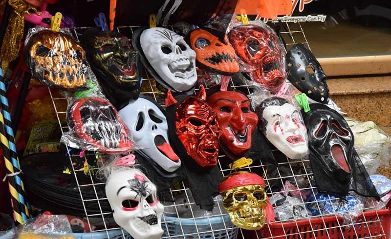 Hóa trang Halloween, nguy cơ viêm da ở trẻ cơ địa dị ứng