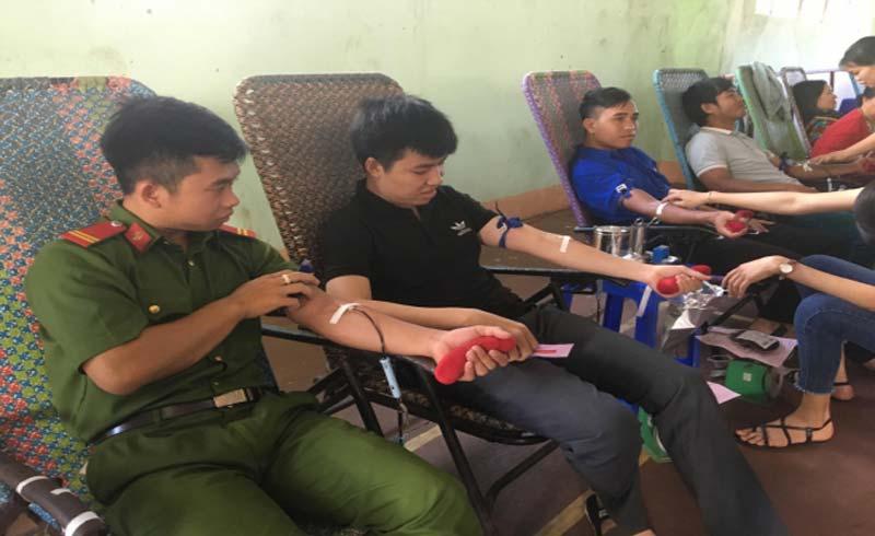 Nhân rộng hiến máu tình nguyện trong bà con dân tộc thiểu số