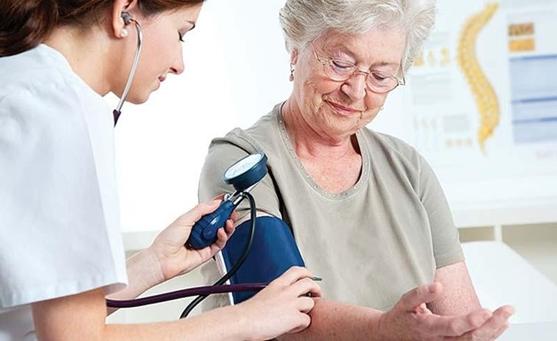 Uống thuốc huyết áp buổi tối tốt hơn sáng