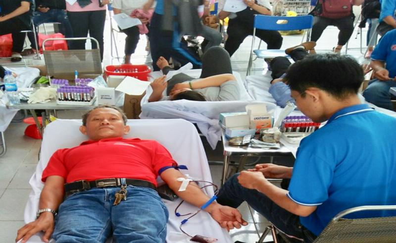 Nể phục người đàn ông lưng gù với hơn 20 lần hiến máu tình nguyện