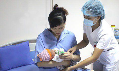 Đề xuất giảm toàn bộ viện phí khi sinh con thứ 2
