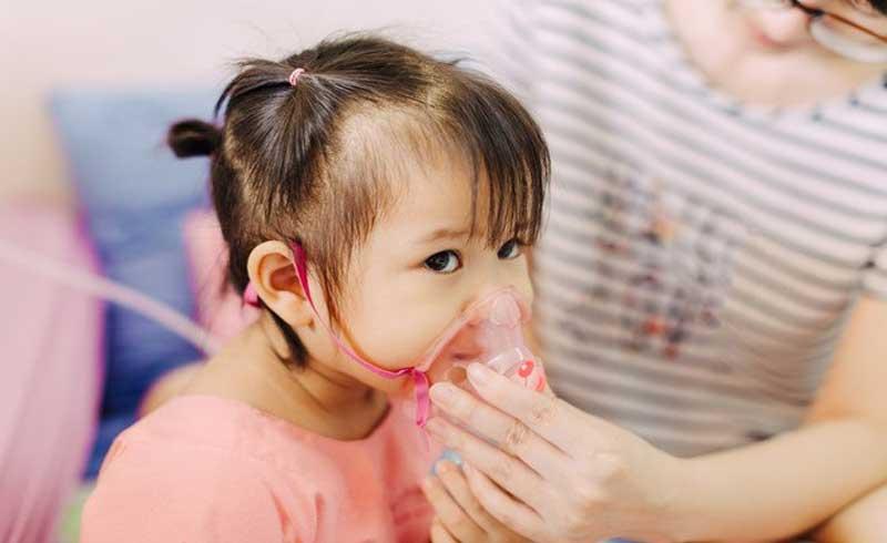 """Thực hư thông tin """"virus RSV lây qua đường hôn gây nguy hiểm cho trẻ""""?"""