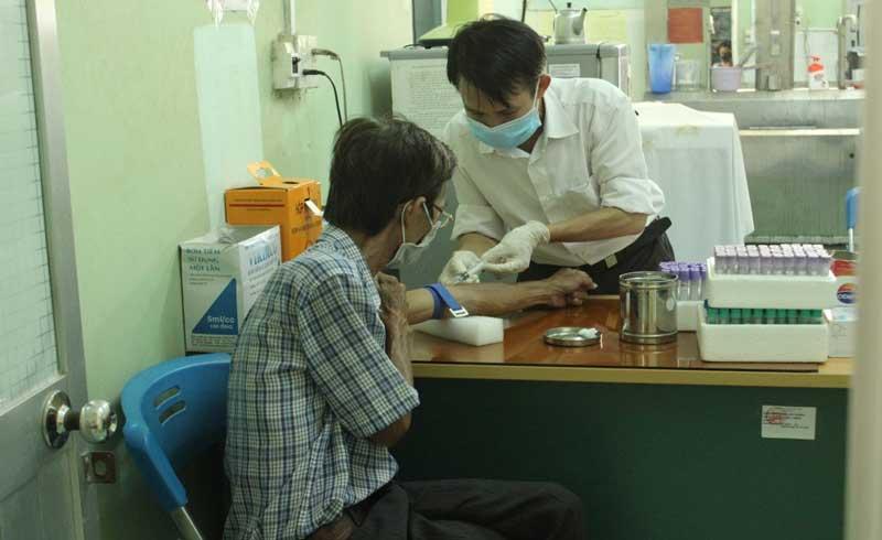 Xét nghiệm HIV sớm để bảo vệ chính mình và người thân