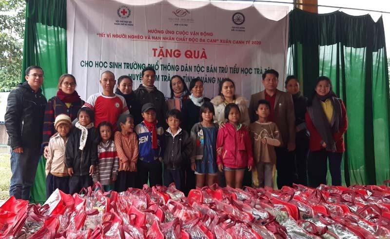 Đà Nẵng: Trao tặng hơn 500 suất quà Tết cho người dân vùng cao tỉnh Quảng Nam