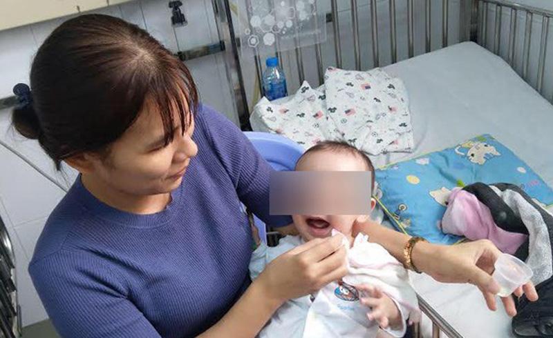 Cứu sống bé 7 tháng tuổi bị rối loạn nhịp kèm tim bẩm sinh nặng