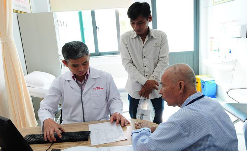 TS. BS. Trần Chí Cường chia sẻ cách phòng ngừa đột quỵ ngày tết