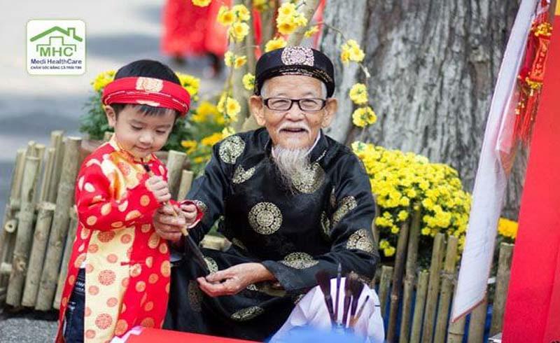 Chăm sóc sức khỏe ngày Tết: Chăm sóc sức khỏe người già và trẻ em
