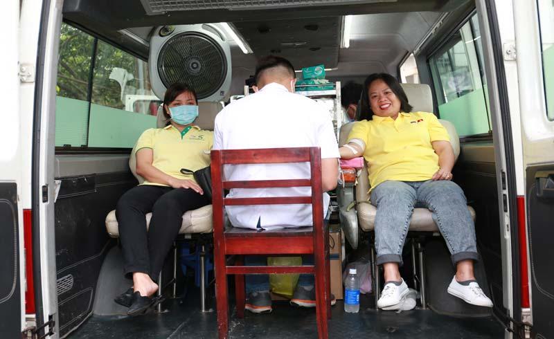 Gần 100 đơn vị máu nghĩa tình được chia sẻ từ tập thể nhân viên C.P. Việt Nam