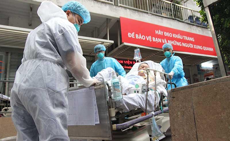 Cứu sống bệnh nhân đầu tiên vào Bạch Mai sau cách ly