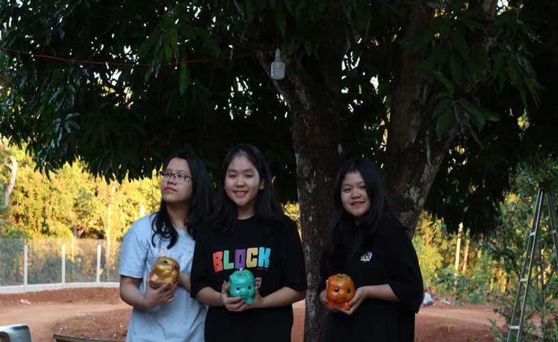 """""""Mổ heo đất"""": Nhiều bạn trẻ chung tay hỗ trợ cộng đồng giữa đại dịch"""