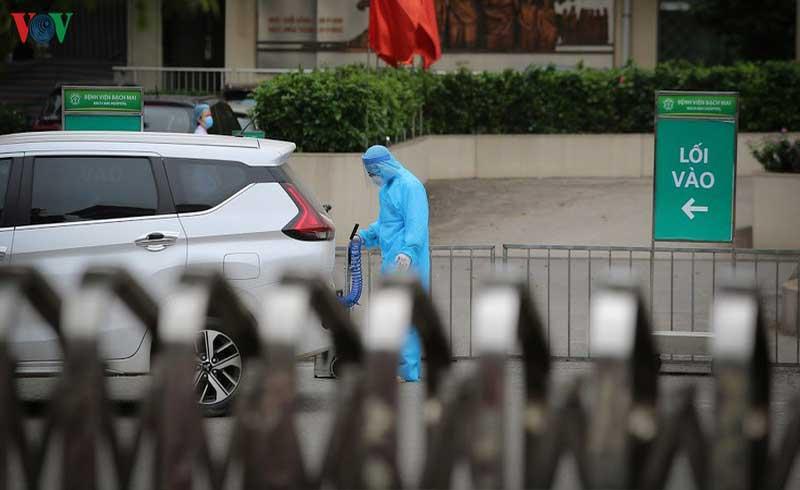 158 nhân viên y tế BV Bạch Mai được trở về nhà sau 20 ngày cách ly