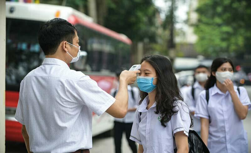 6 việc cần làm khi học sinh sốt, ho tại trường