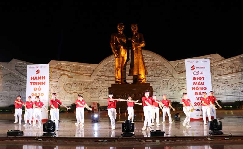 """Khai mạc Hành trình Đỏ 2020 tại miền """"Đất Võ"""" Bình Định"""