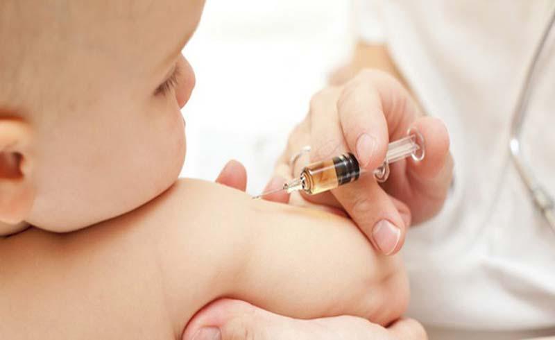 Tiêm vắc-xin miễn phí cho trẻ 7 tuổi ở 35 tỉnh