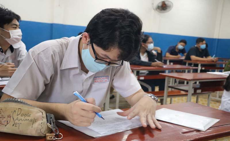 Vào năm học mới, học sinh có phải đeo khẩu trang khi học?