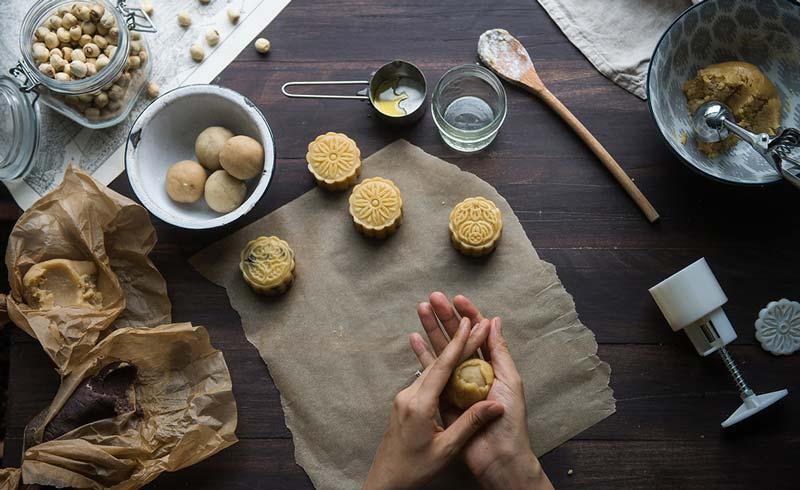 Lưu ý hạn dùng khi ăn bánh trung thu 'nhà làm'