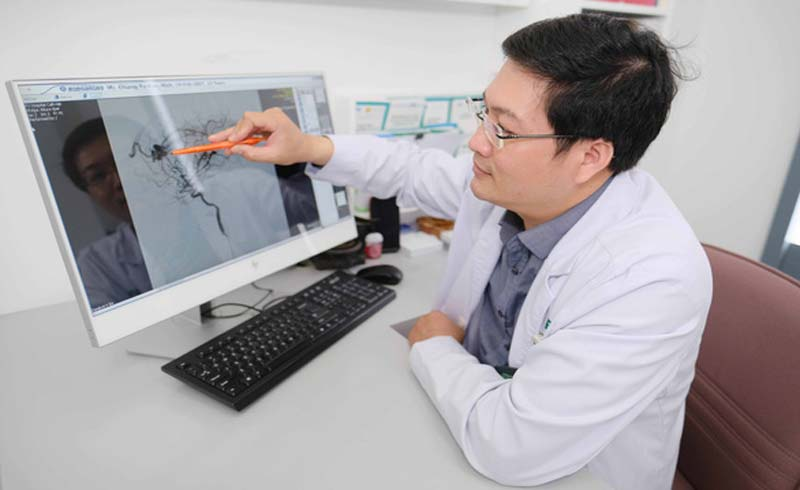 Ca mổ thần tốc cứu sống bé trai Đài Loan 13 tuổi của các bác sĩ Bệnh viện FV
