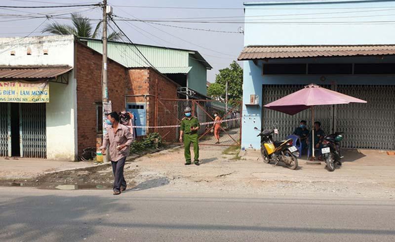 NÓNG: Thanh niên nhập cảnh 'chui' ở quận 9 dương tính COVID-19