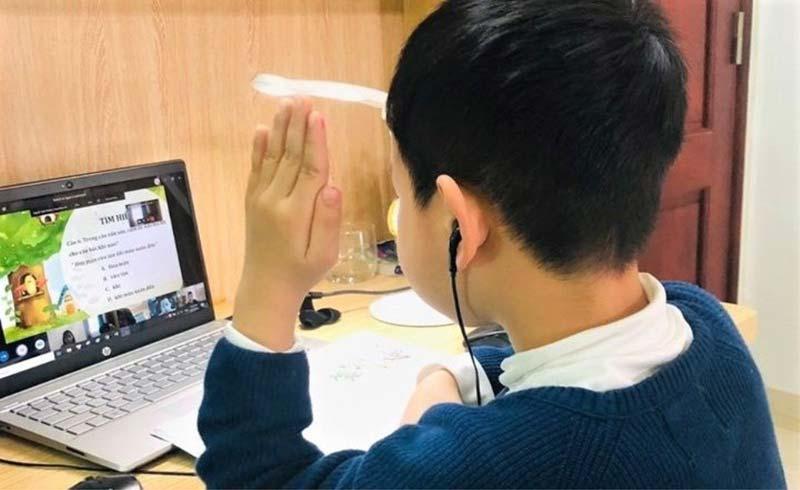 Tới sáng 1/2, 17 tỉnh thành cho học sinh nghỉ học phòng chống COVID-19