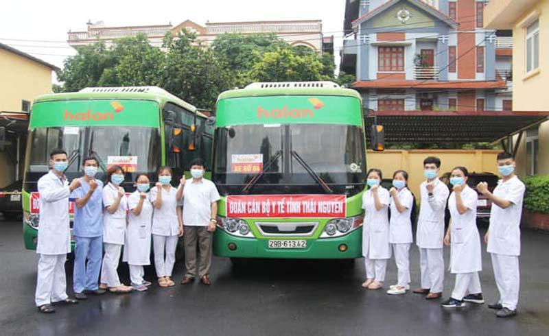 51 cán bộ, nhân viên y tế Thái Nguyên lên đường chi viện Bắc Giang chống dịch COVID-19